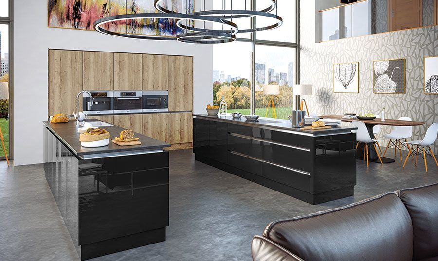 Halifax Natural Oak & Ultragloss Black Kitchen