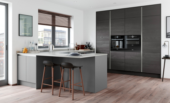 ZOLA SOFT-MATTE HANDLELESS Dust Grey & Tavola Hacienda Black